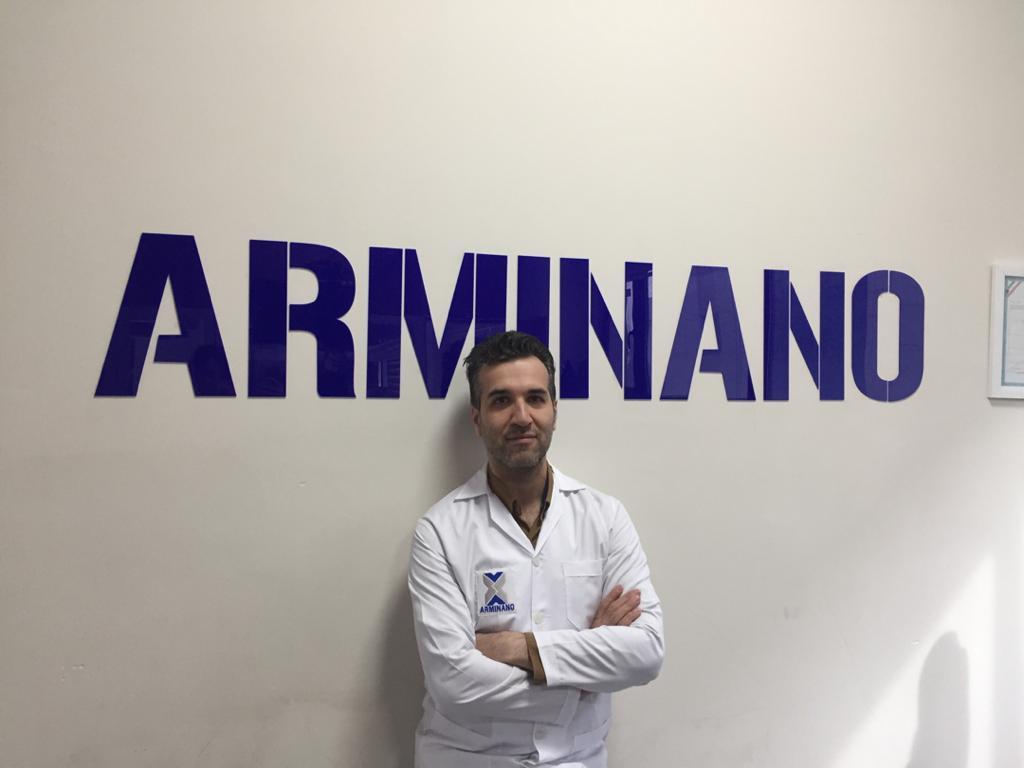 دکتر ابراهیم اکبرزاده